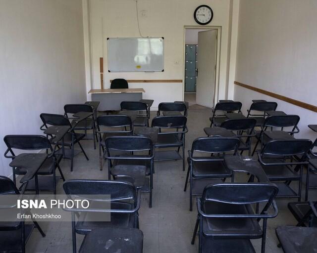 خالی بودن بیش از ۵۰ درصد ظرفیت دانشگاه های آزاد و پیام نور
